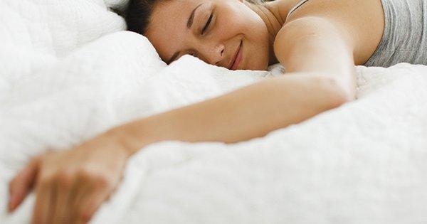 Засыпало землей во сне означает, что вы склонны к придирка.