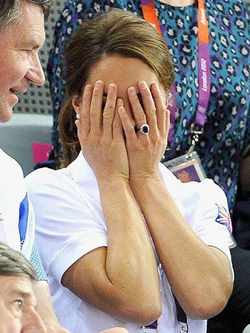 35 кумедних емоцій Кейт Міддлтон, які доводять, що вона не соромиться власних почуттів - фото 55633