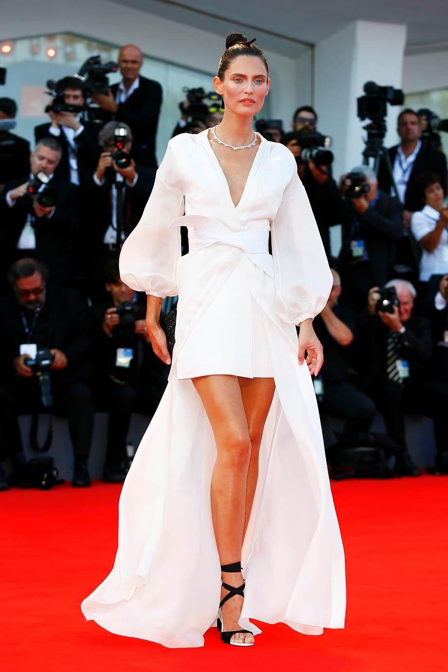 Розкішні сукні знаменитостей на відкритті Венеційського кінофестивалю-2017 - фото 336120