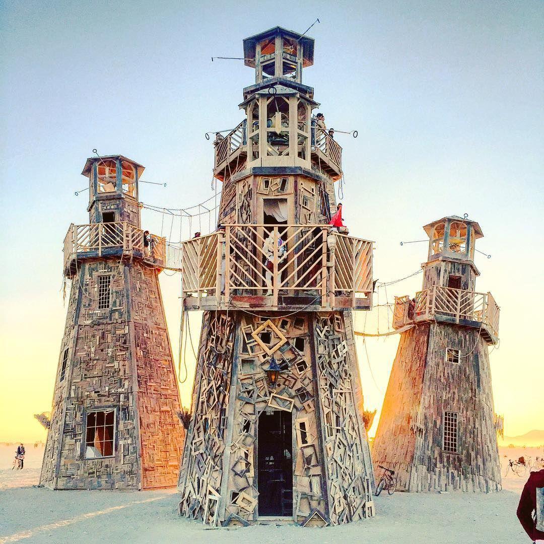 Пилюка, голі тіла та сучасне мистецтво: круті фото з фестивалю Burning Man 2017 - фото 336379