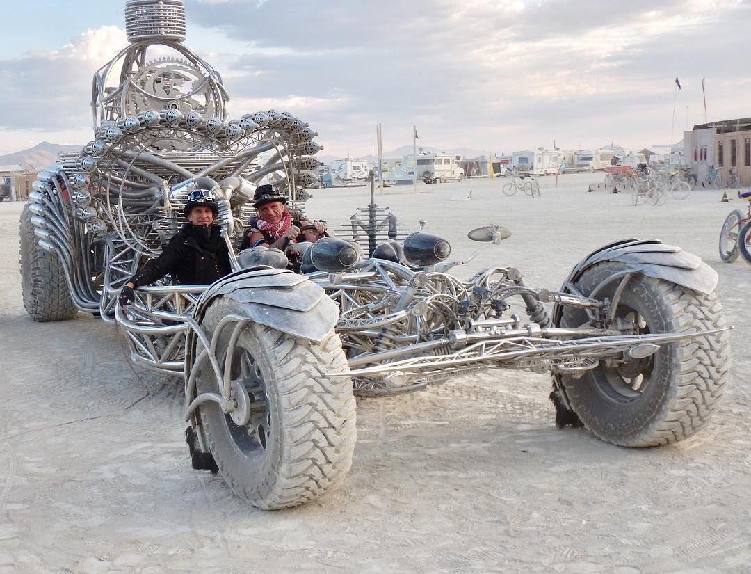Пилюка, голі тіла та сучасне мистецтво: круті фото з фестивалю Burning Man 2017 - фото 336426
