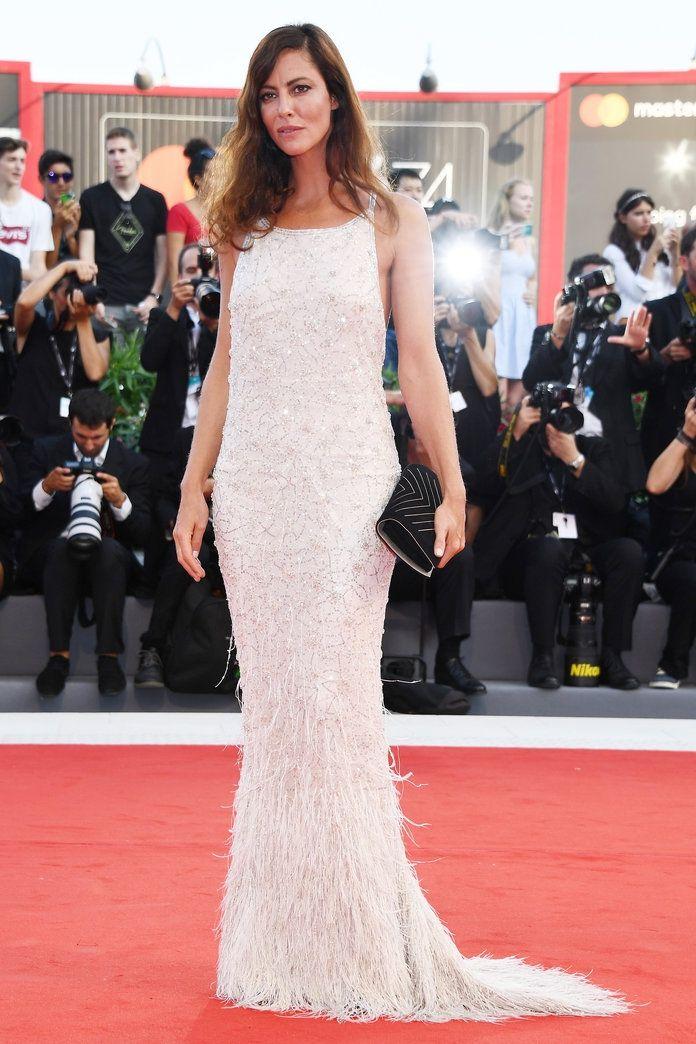 Розкішні сукні знаменитостей на відкритті Венеційського кінофестивалю-2017 - фото 336128