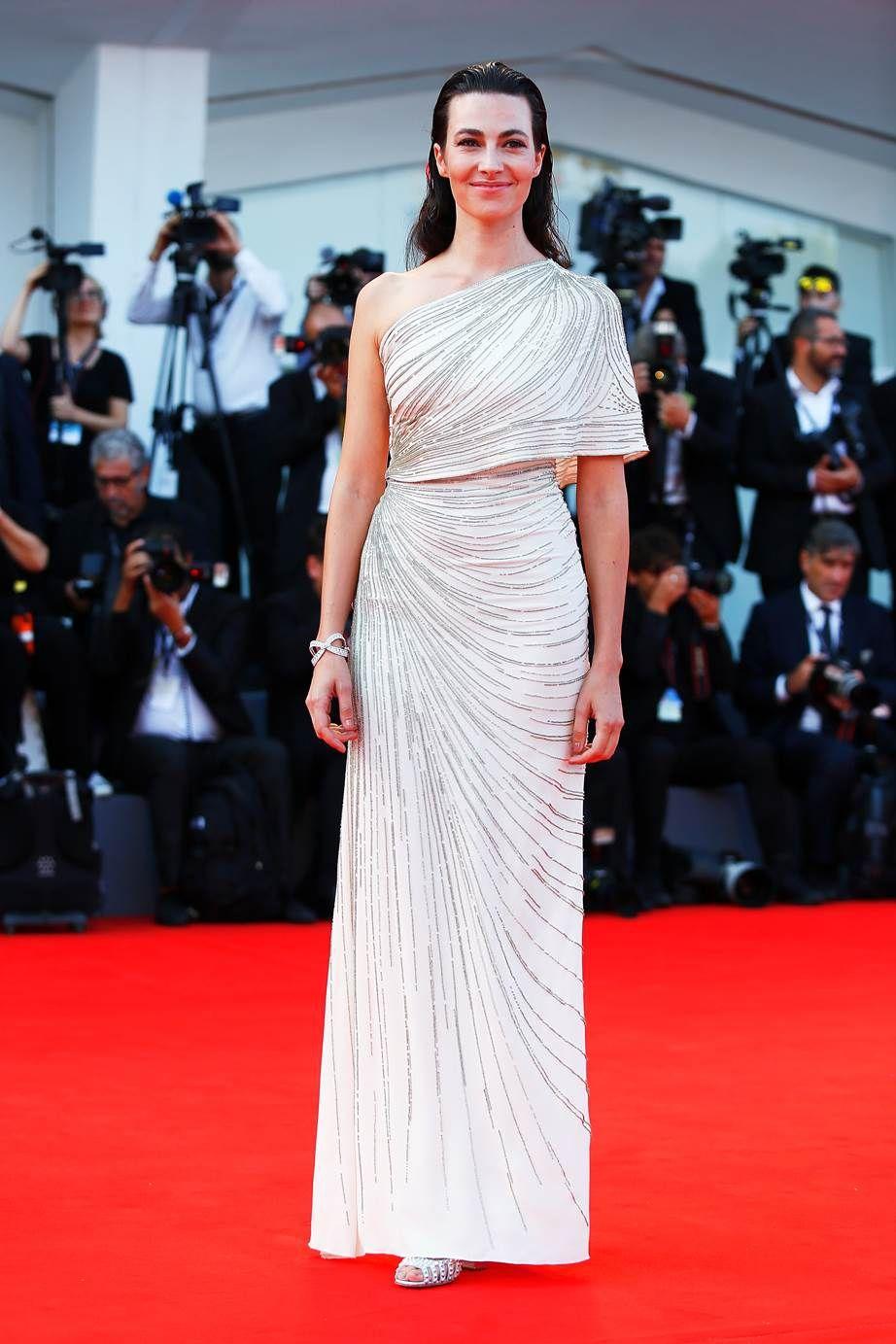 Розкішні сукні знаменитостей на відкритті Венеційського кінофестивалю-2017 - фото 336121
