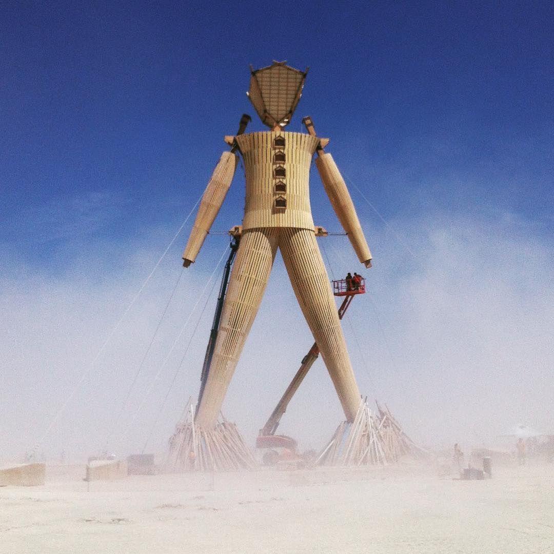 Пилюка, голі тіла та сучасне мистецтво: круті фото з фестивалю Burning Man 2017 - фото 336405