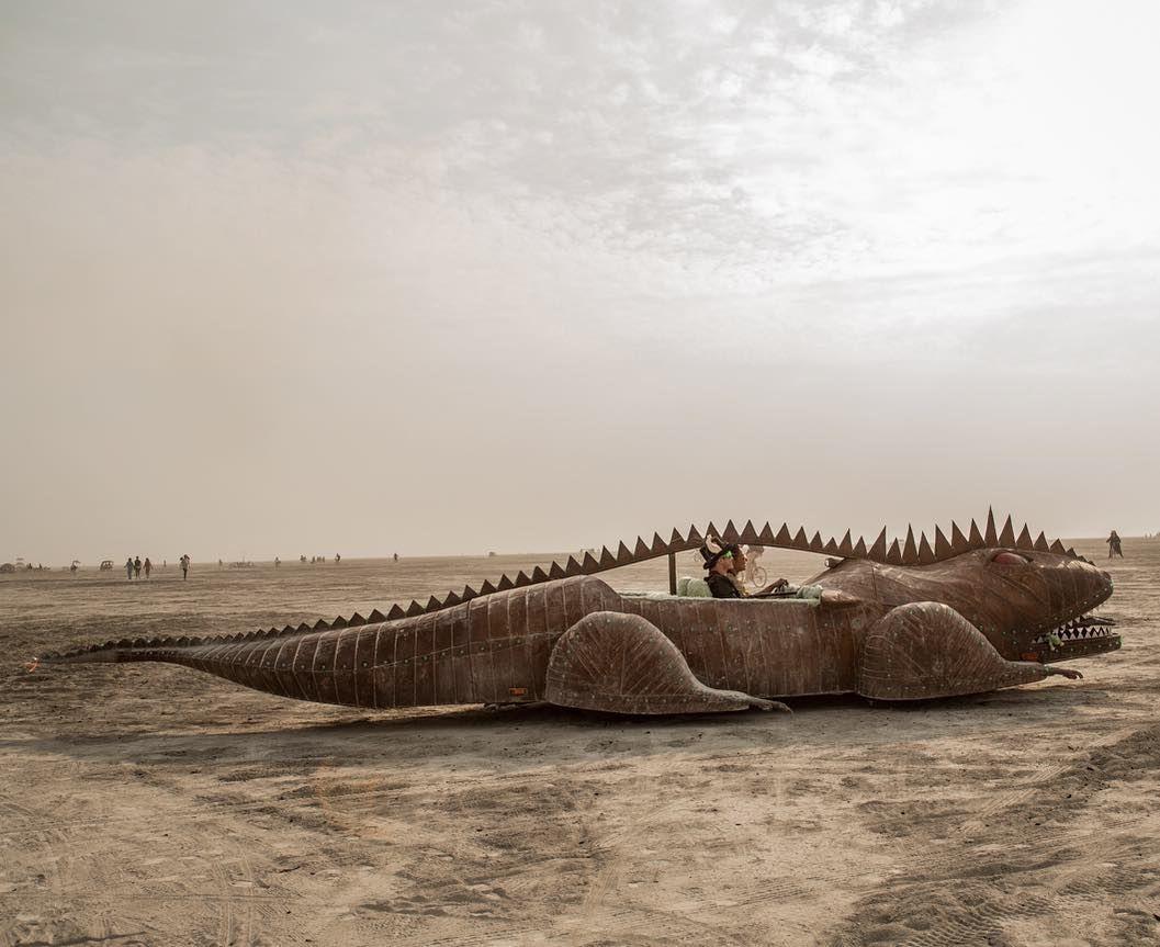Пилюка, голі тіла та сучасне мистецтво: круті фото з фестивалю Burning Man 2017 - фото 336378