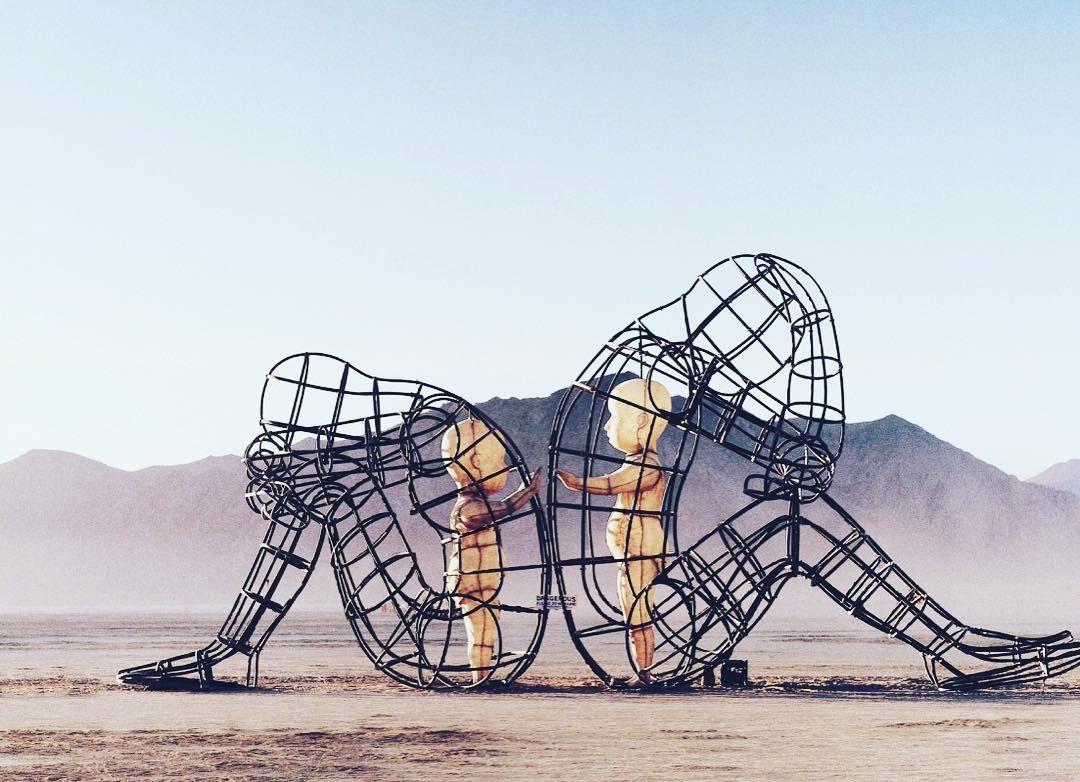Пилюка, голі тіла та сучасне мистецтво: круті фото з фестивалю Burning Man 2017 - фото 336401