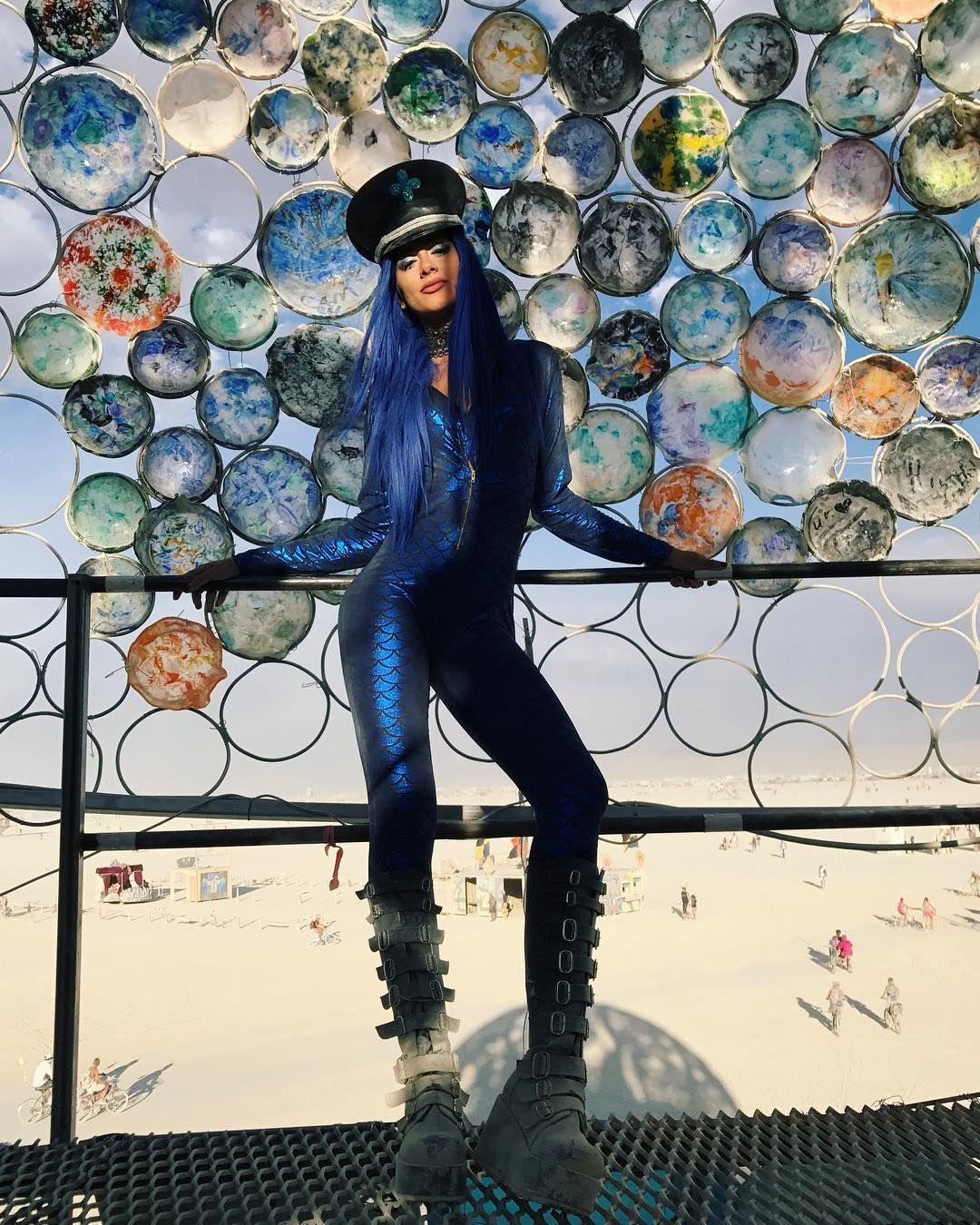 Пилюка, голі тіла та сучасне мистецтво: круті фото з фестивалю Burning Man 2017 - фото 336383
