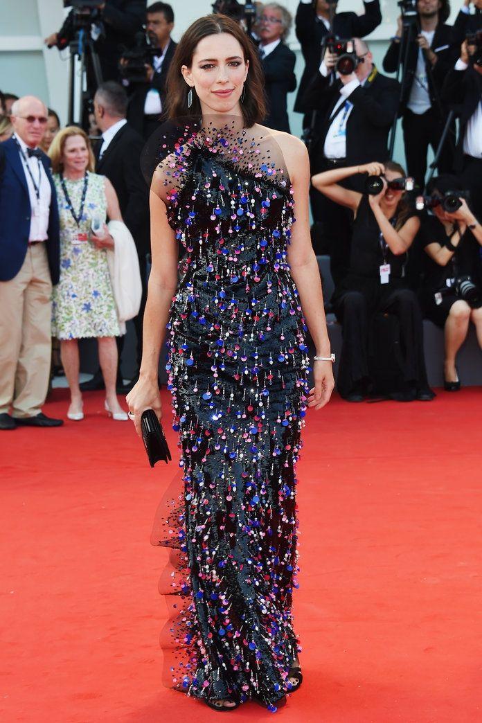 Розкішні сукні знаменитостей на відкритті Венеційського кінофестивалю-2017 - фото 336119
