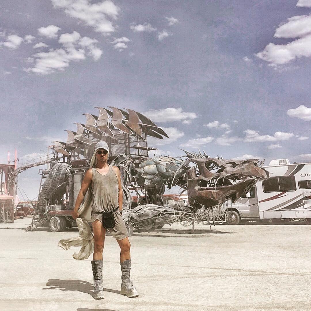 Пилюка, голі тіла та сучасне мистецтво: круті фото з фестивалю Burning Man 2017 - фото 336382