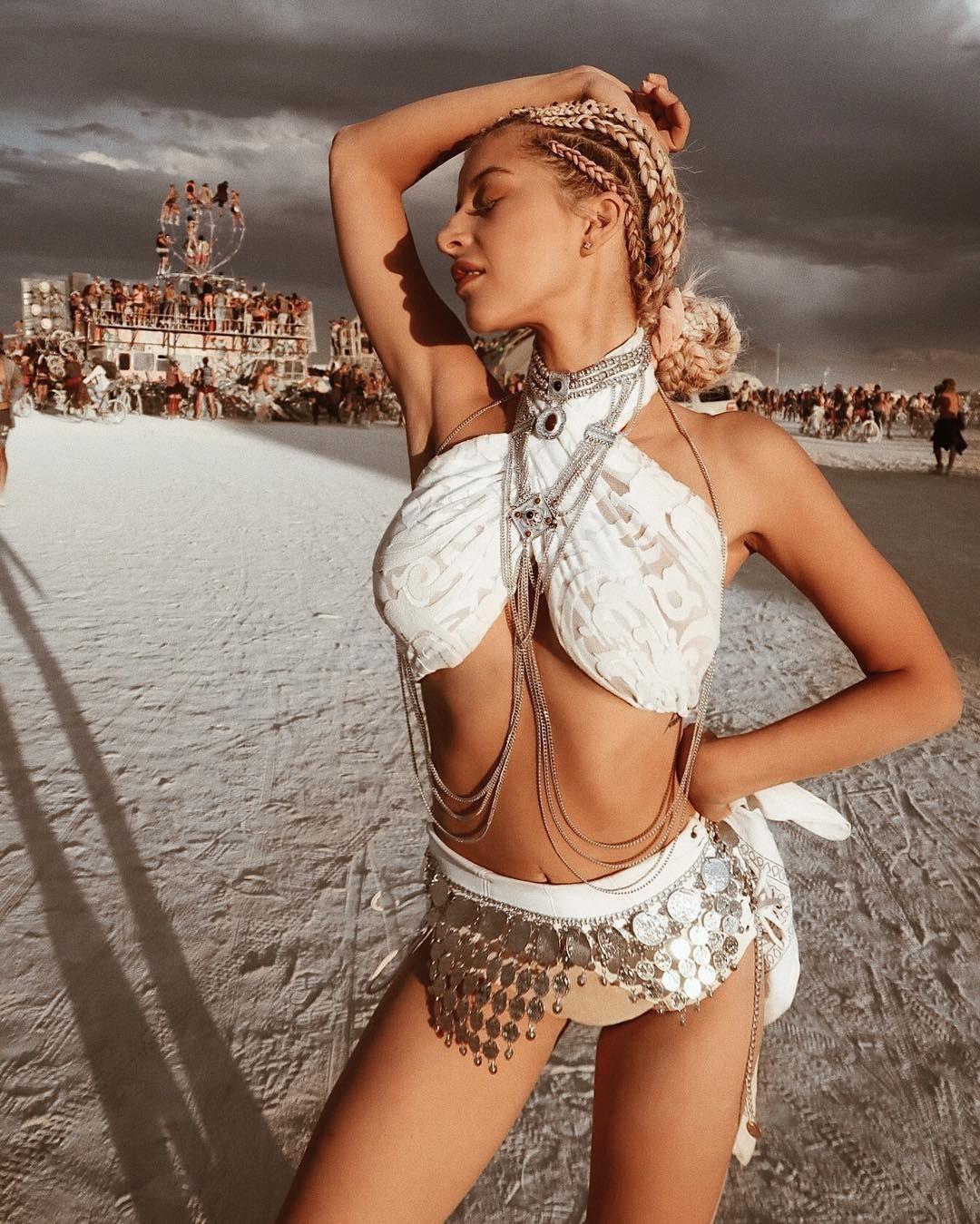Пилюка, голі тіла та сучасне мистецтво: круті фото з фестивалю Burning Man 2017 - фото 336434