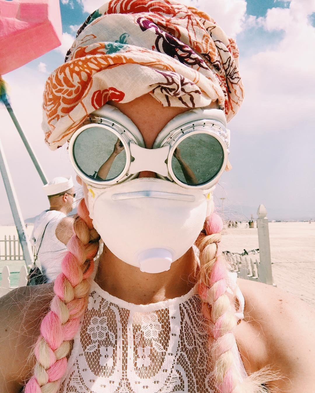 Пилюка, голі тіла та сучасне мистецтво: круті фото з фестивалю Burning Man 2017 - фото 336428