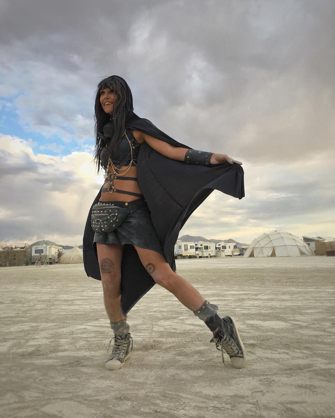 Пилюка, голі тіла та сучасне мистецтво: круті фото з фестивалю Burning Man 2017 - фото 336437