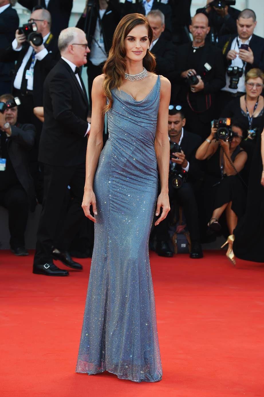 Розкішні сукні знаменитостей на відкритті Венеційського кінофестивалю-2017 - фото 336122