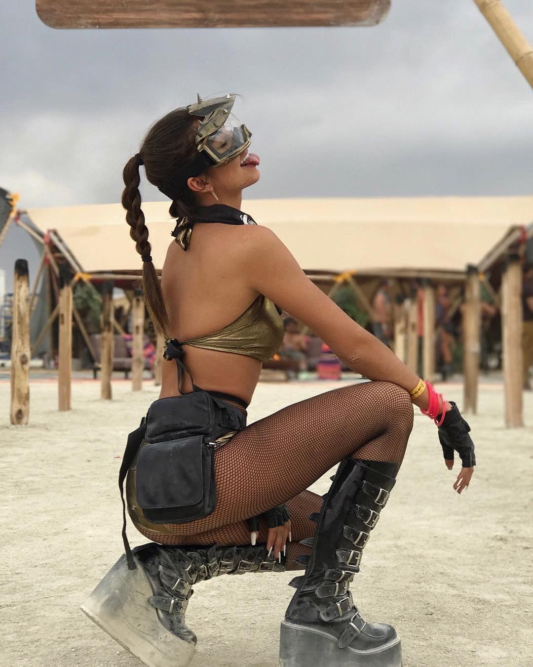 Пилюка, голі тіла та сучасне мистецтво: круті фото з фестивалю Burning Man 2017 - фото 336403