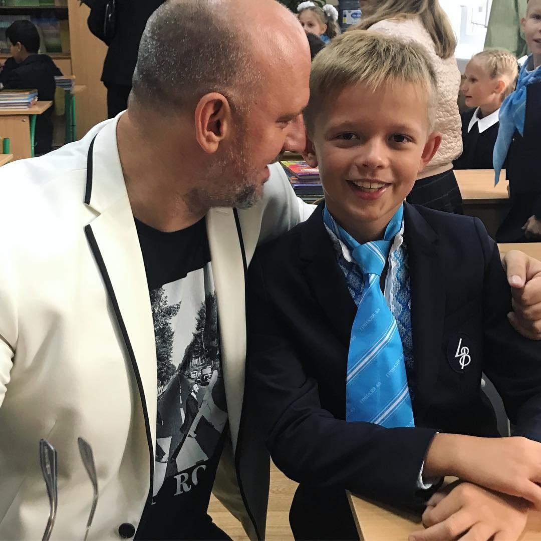 День знань: як українські зірки своїх дітей до школи проводжали - фото 336516