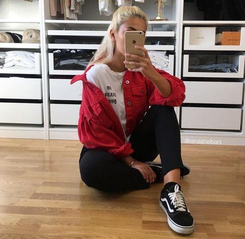 Тренды осени 2017: красный цвет и как его носить - фото 341144