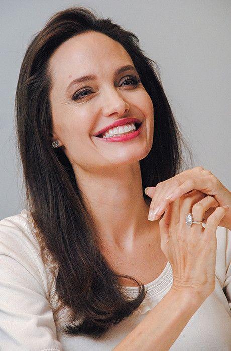 Анджеліна Джолі шокувала худорлявістю і вульгарним образом - фото 336651