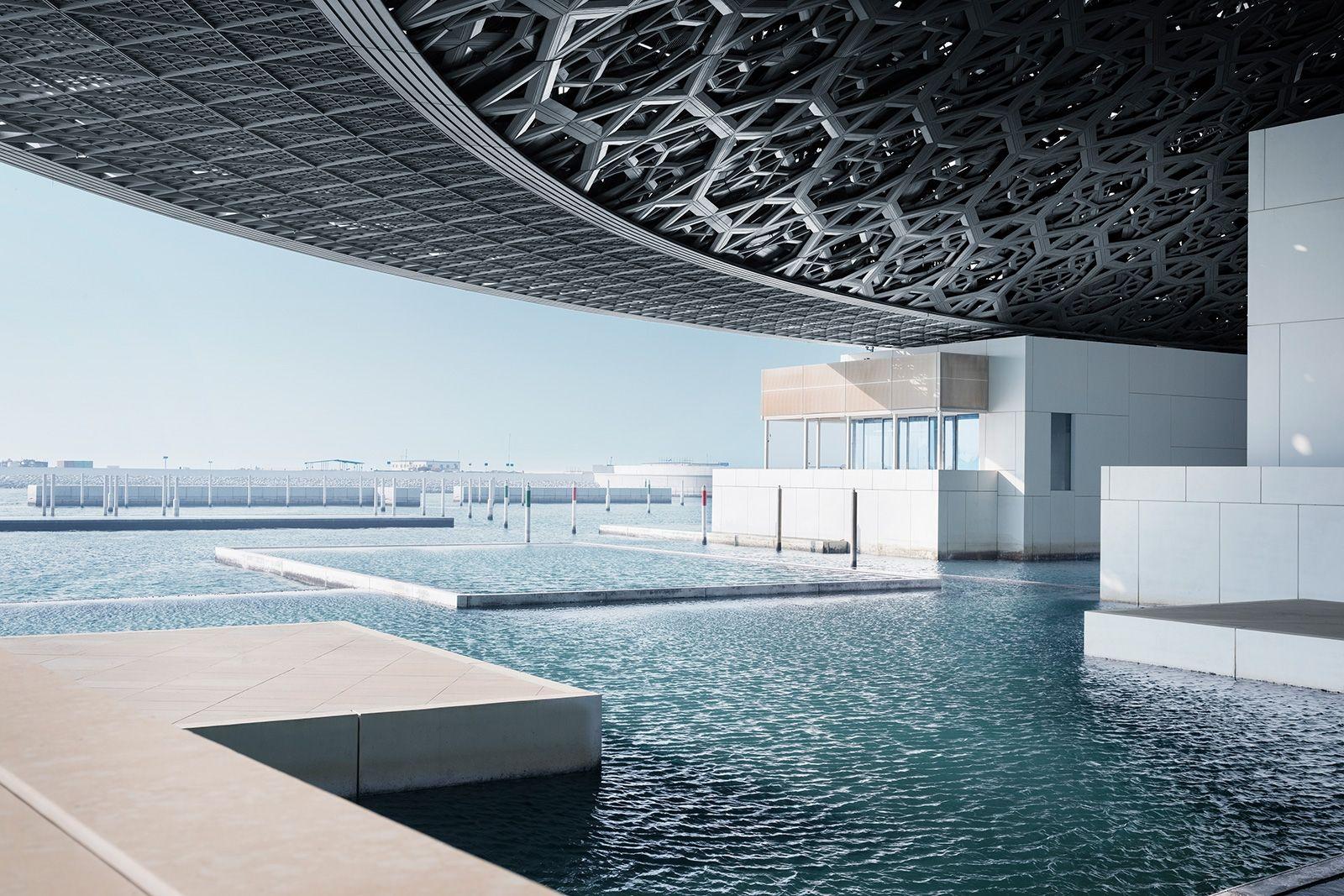 В Абу-Дабі збудували новий Лувр і він вражає своєю красою та розмірами - фото 350980