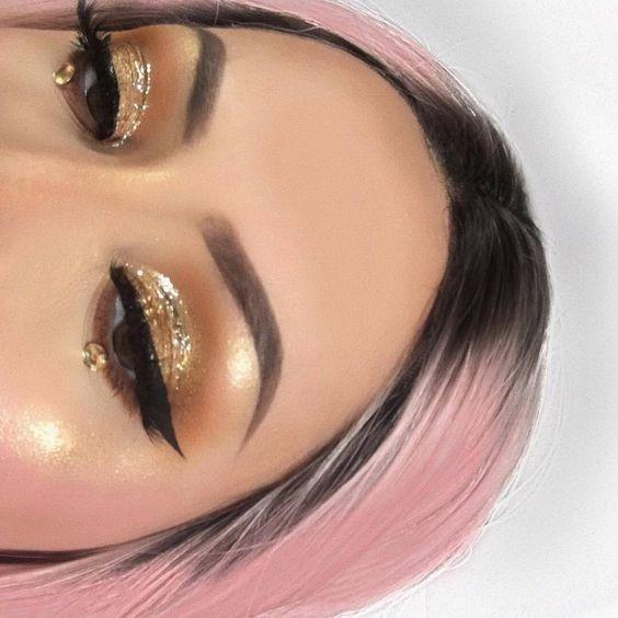 Золотой-тренд: как выглядит самый популярный новогодний макияж - фото 351071
