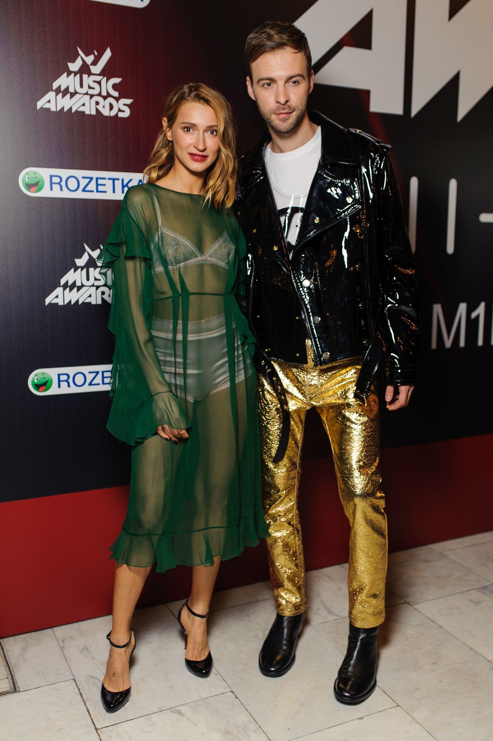 M1 Music Awards 2017: лучшие образы звезд с красной дорожки - фото 356114