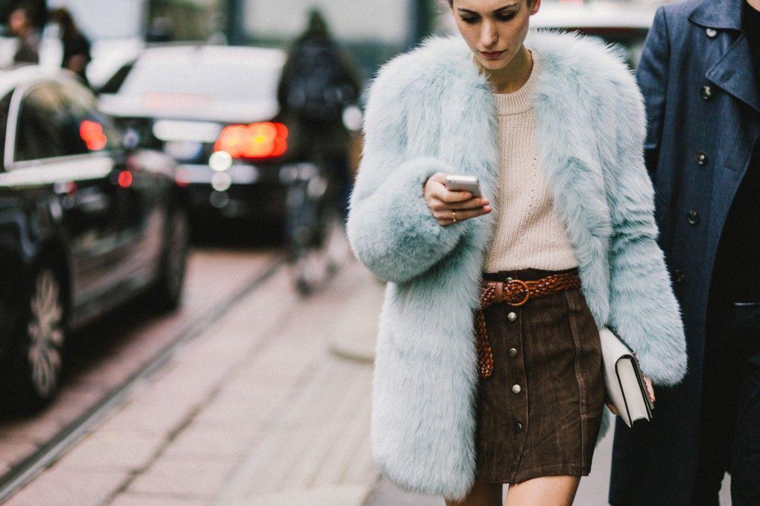 Не модно: які речі варто викинути зі своєї шафи у 2018 році - фото 361730