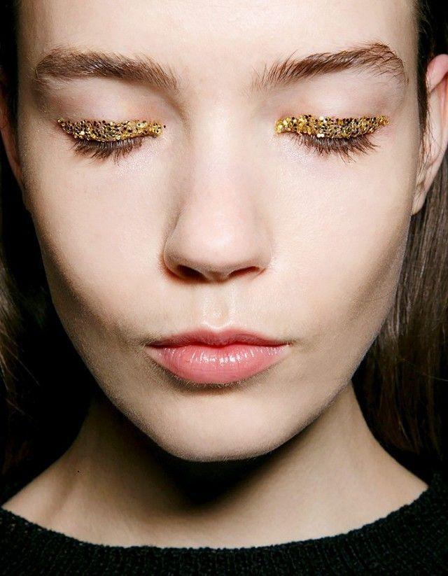 Изысканные идеи макияжа на Рождество, которые ты захочешь повторить - фото 361027