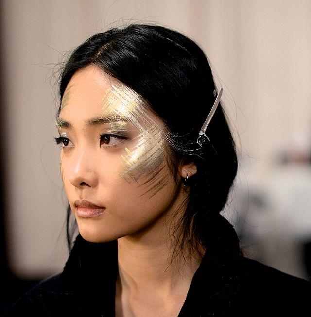Изысканные идеи макияжа на Рождество, которые ты захочешь повторить - фото 361044