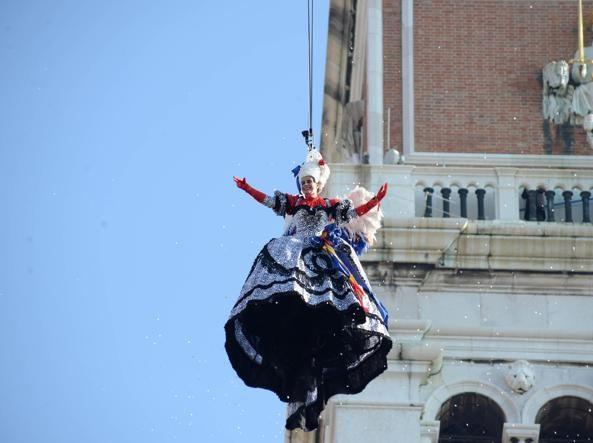Пишаємось: одеситка увійшла у топ-10 найкрутіших нарядів Венеціанського карнавалу - фото 368208