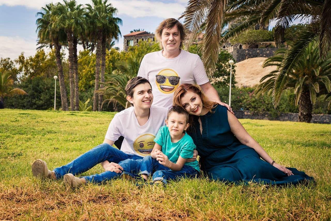 Актори «Кварталу 95» показали свої родини на відпочинку у Іспанії - фото 366301