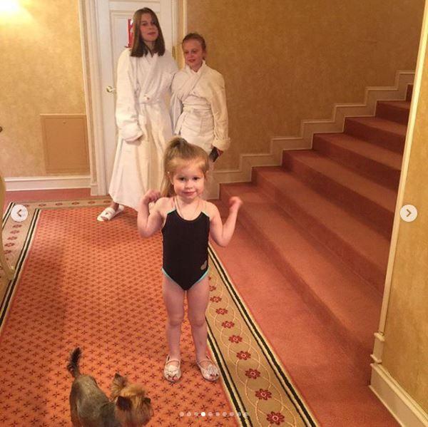 Оля Фреймут показала сімейні фото, які до цього не наважувалась опублікувати - фото 366356