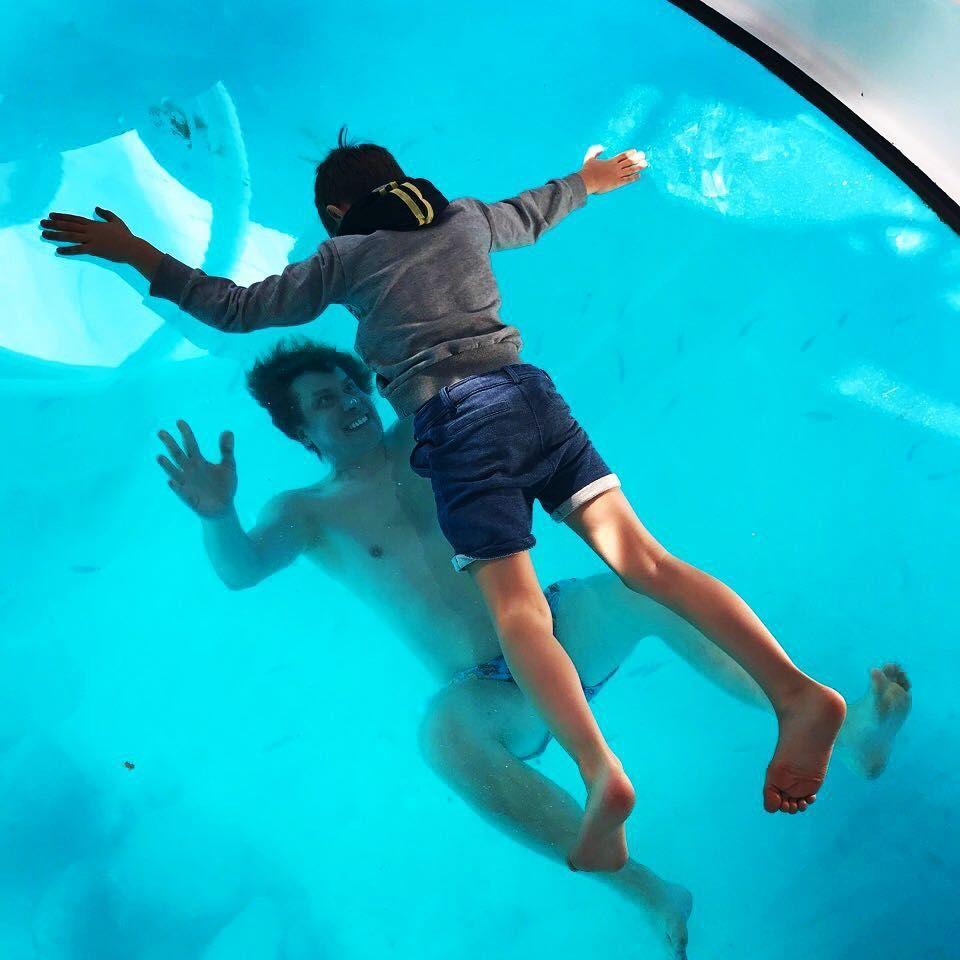 Актори «Кварталу 95» показали свої родини на відпочинку у Іспанії - фото 366293