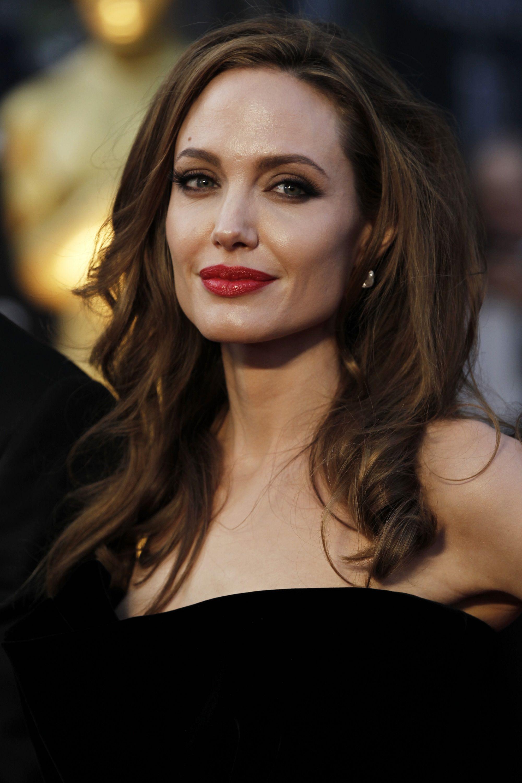 Усі подробиці розлучення Еністон та Теру: зрада з Бредом Піттом, образа Джолі та інше - фото 370846