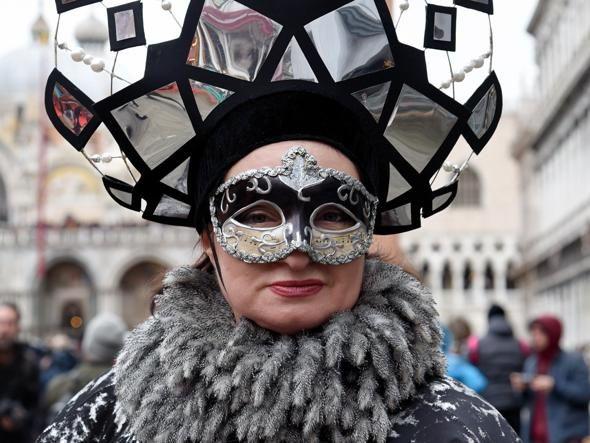 Пишаємось: одеситка увійшла у топ-10 найкрутіших нарядів Венеціанського карнавалу - фото 368203