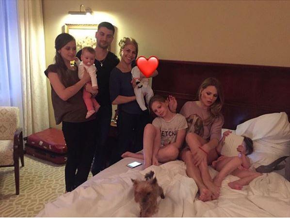 Оля Фреймут показала сімейні фото, які до цього не наважувалась опублікувати - фото 366362
