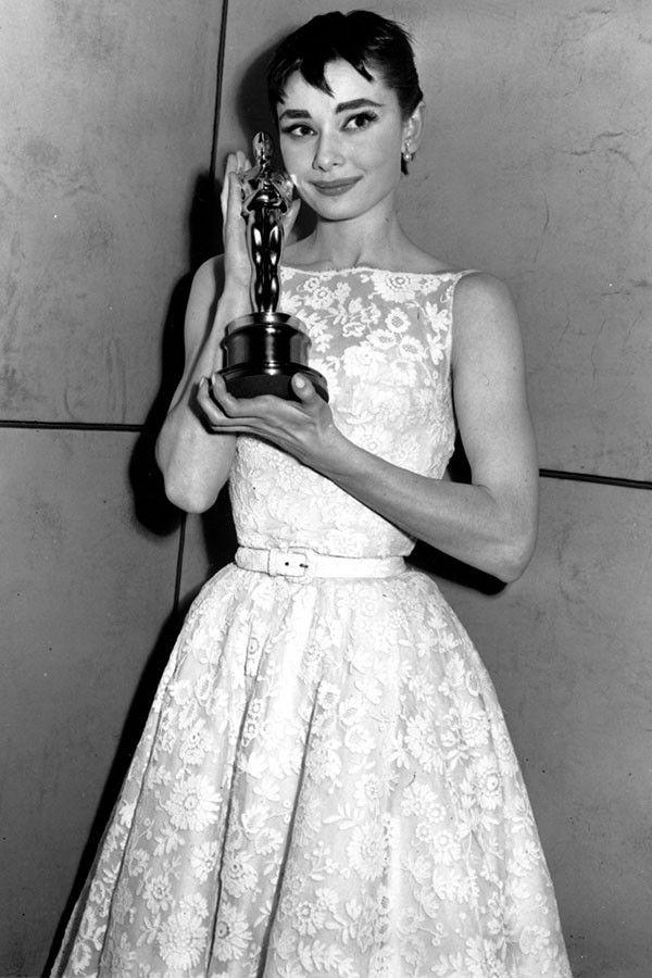 7 самых дорогих платьев за всю историю премии 'Оскар' - фото 370566