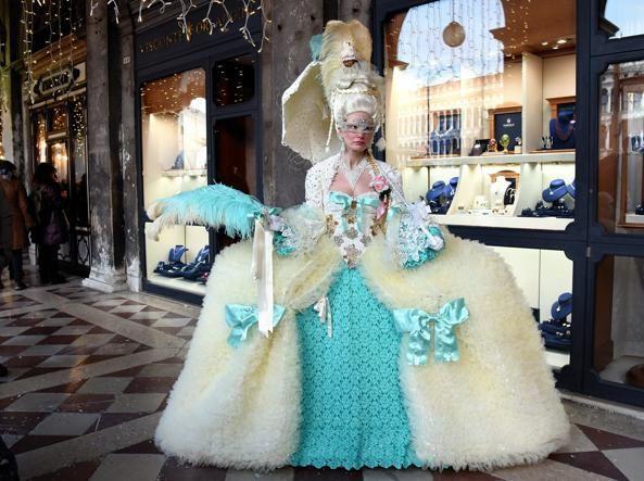 Пишаємось: одеситка увійшла у топ-10 найкрутіших нарядів Венеціанського карнавалу - фото 368201