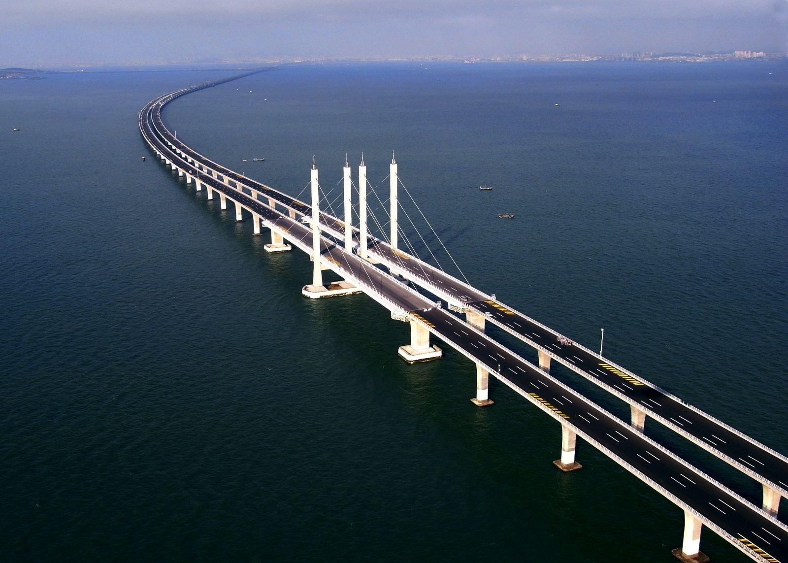 В Китае построили самый длинный мост в мире, и вот, как выглядит это чудо архитектуры - фото 371744