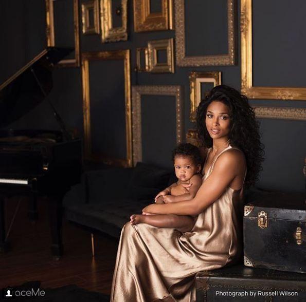 Сиара впервые показала очаровательную дочь - фото 369812