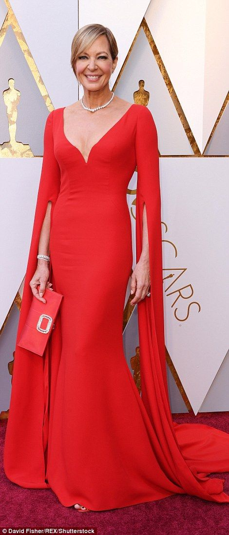 Оскар 2018: найкрасивіші наряди на червоній доріжці - фото 373150