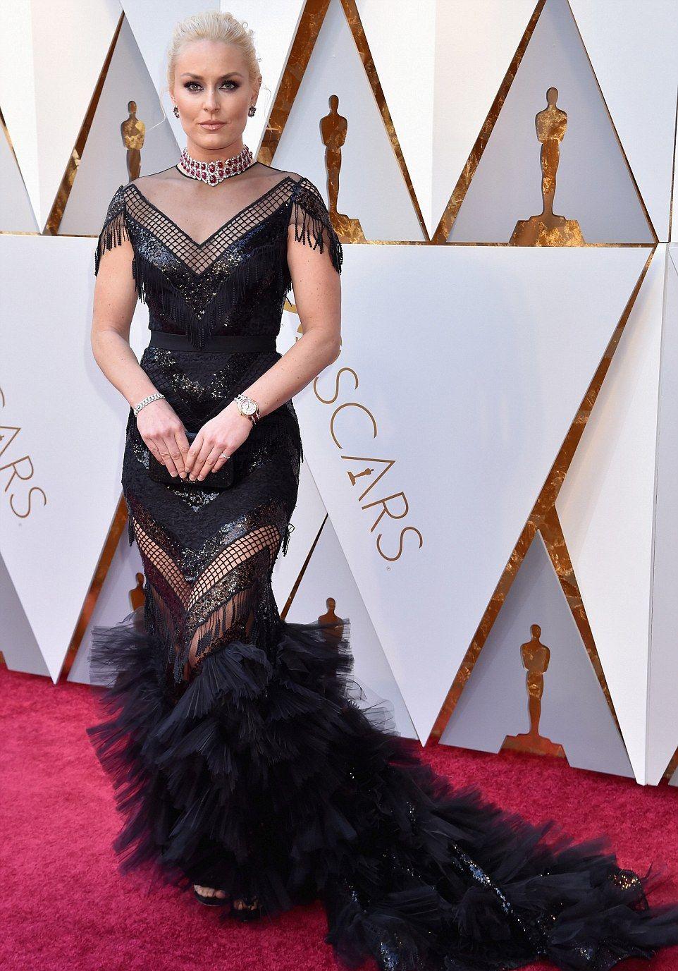 Оскар 2018: самые провальные платья с красной дорожки - фото 373360
