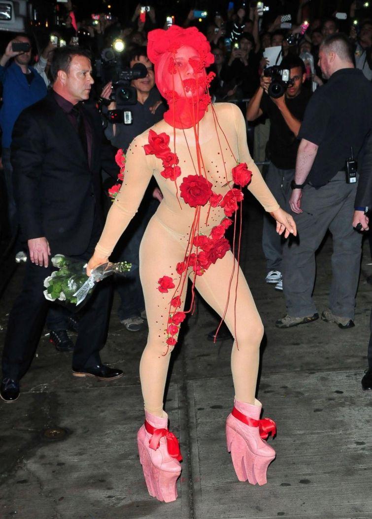 Lady Gaga -  32: найепатажніші образи співачки, за які ми її так любимо - фото 376841