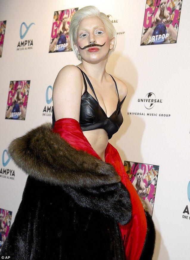 Lady Gaga -  32: найепатажніші образи співачки, за які ми її так любимо - фото 376832