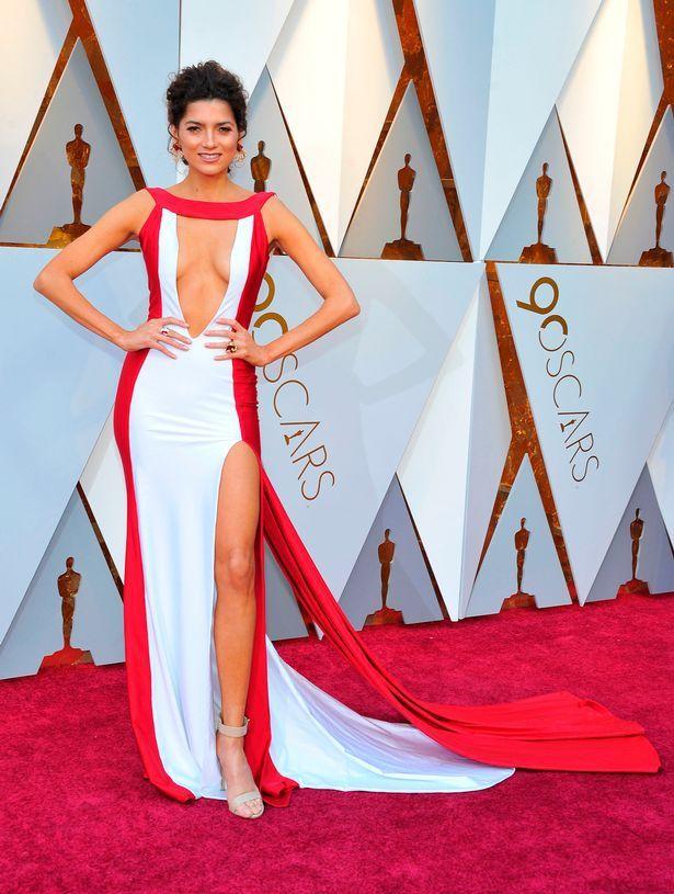 Оскар 2018: самые провальные платья с красной дорожки - фото 373350