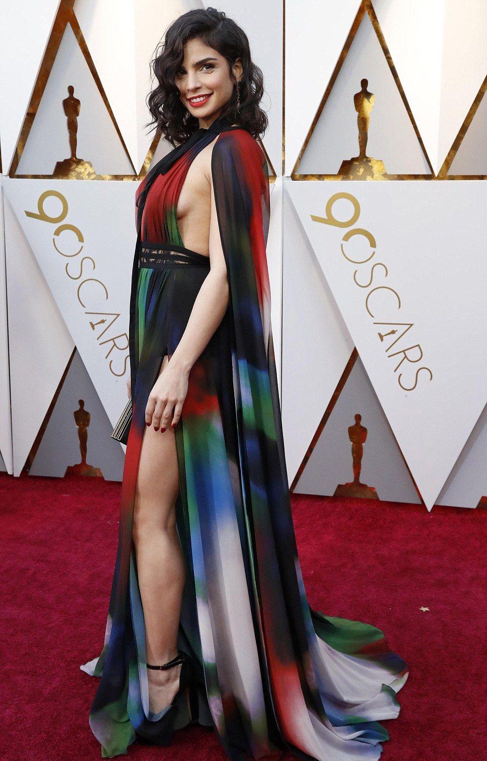 Оскар 2018: самые провальные платья с красной дорожки - фото 373361