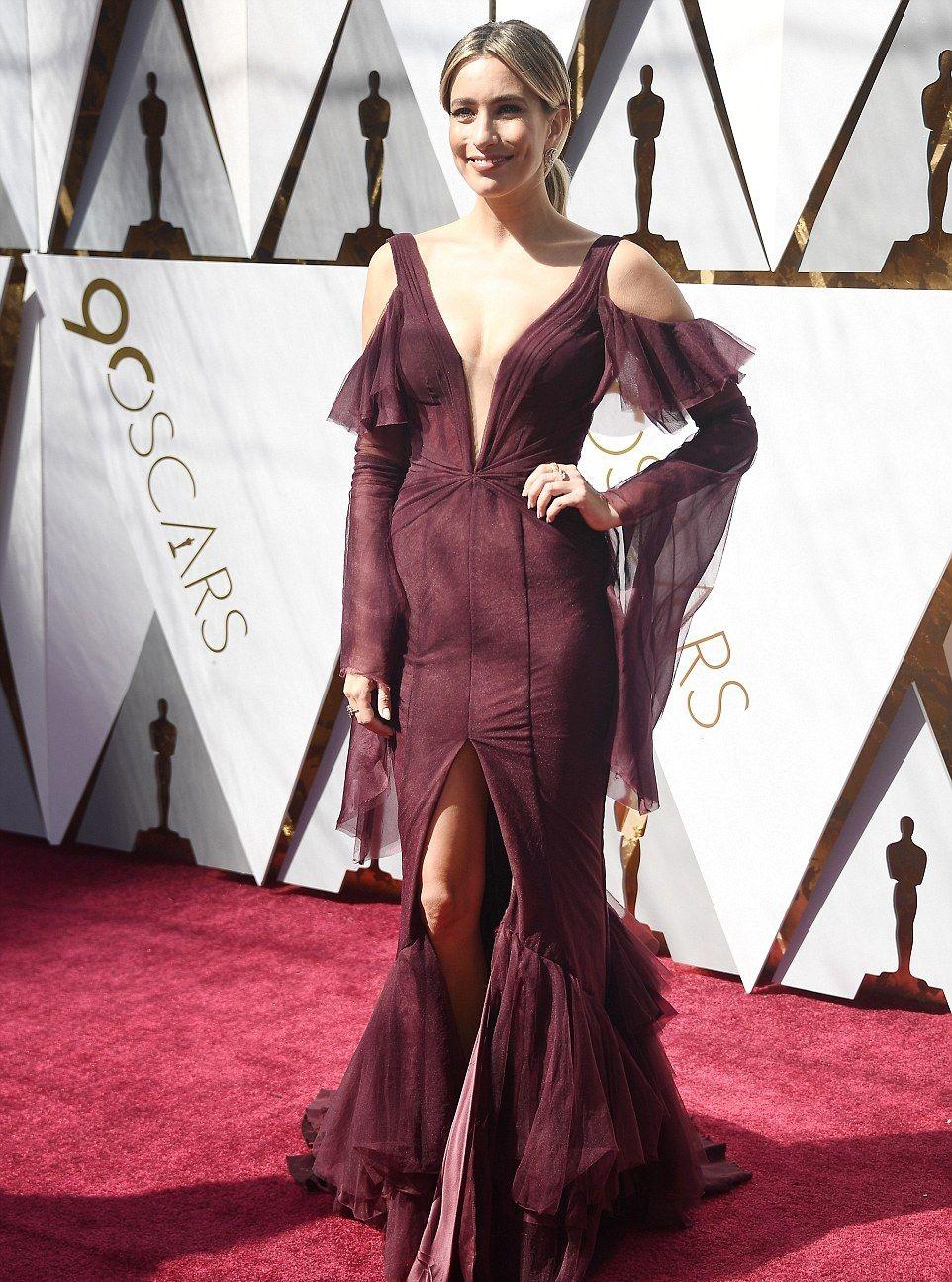 Оскар 2018: самые провальные платья с красной дорожки - фото 373358