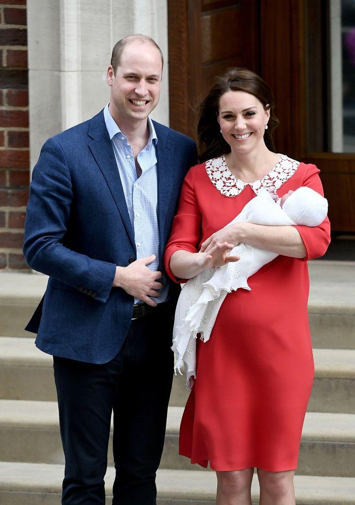 Кейт Миддлтон родила сына и впервые показала новорожденного (фото) - фото 380729