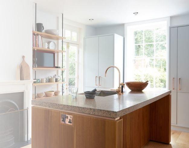 Вот это хоромы: Кара Делевинь похвасталась своими роскошными апартаментами в Лондоне - фото 381575