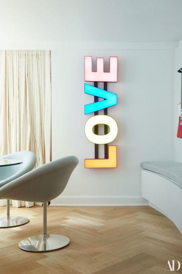 Вот это хоромы: Кара Делевинь похвасталась своими роскошными апартаментами в Лондоне - фото 381578