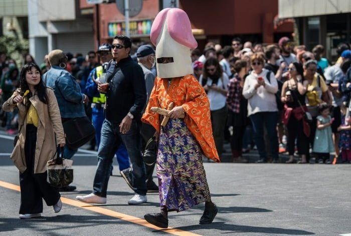 Японский фестиваль пенисов - праздник, который вы никогда не забудете - фото 378300