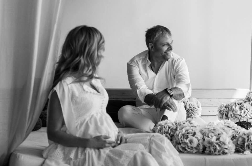 Беременная Юлия Думанская снялась в роскошной фотосессии вместе с мужем-олигархом - фото 384648